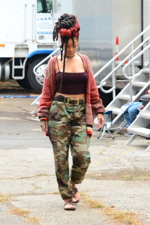 NEW YORK, NY - NOVEMBER 03: Singer Rihanna is seen on the set of Ocean's 8 on November 3, 2016 in New York City. (Photo by Raymond Hall/GC Images)